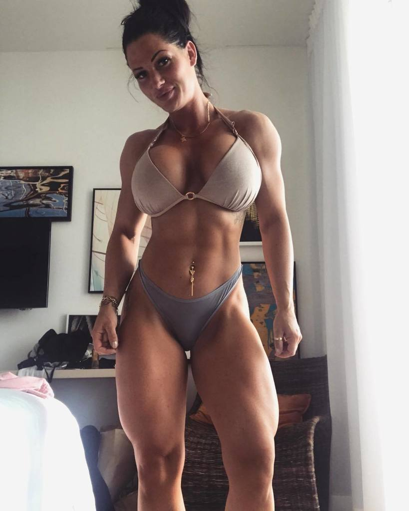 Hot fit chicks