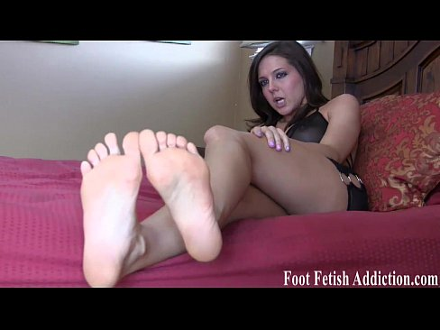 Suck my long toes